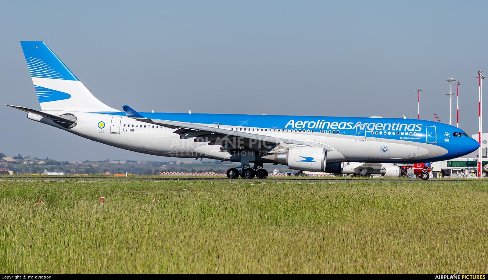 Aerolineas Argentinas LV-GIF aircraft at Rome - Fiumicino