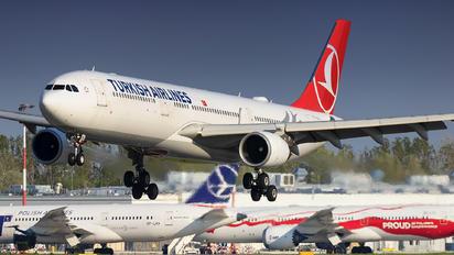 TC-JOJ - Turkish Airlines Airbus A330-300