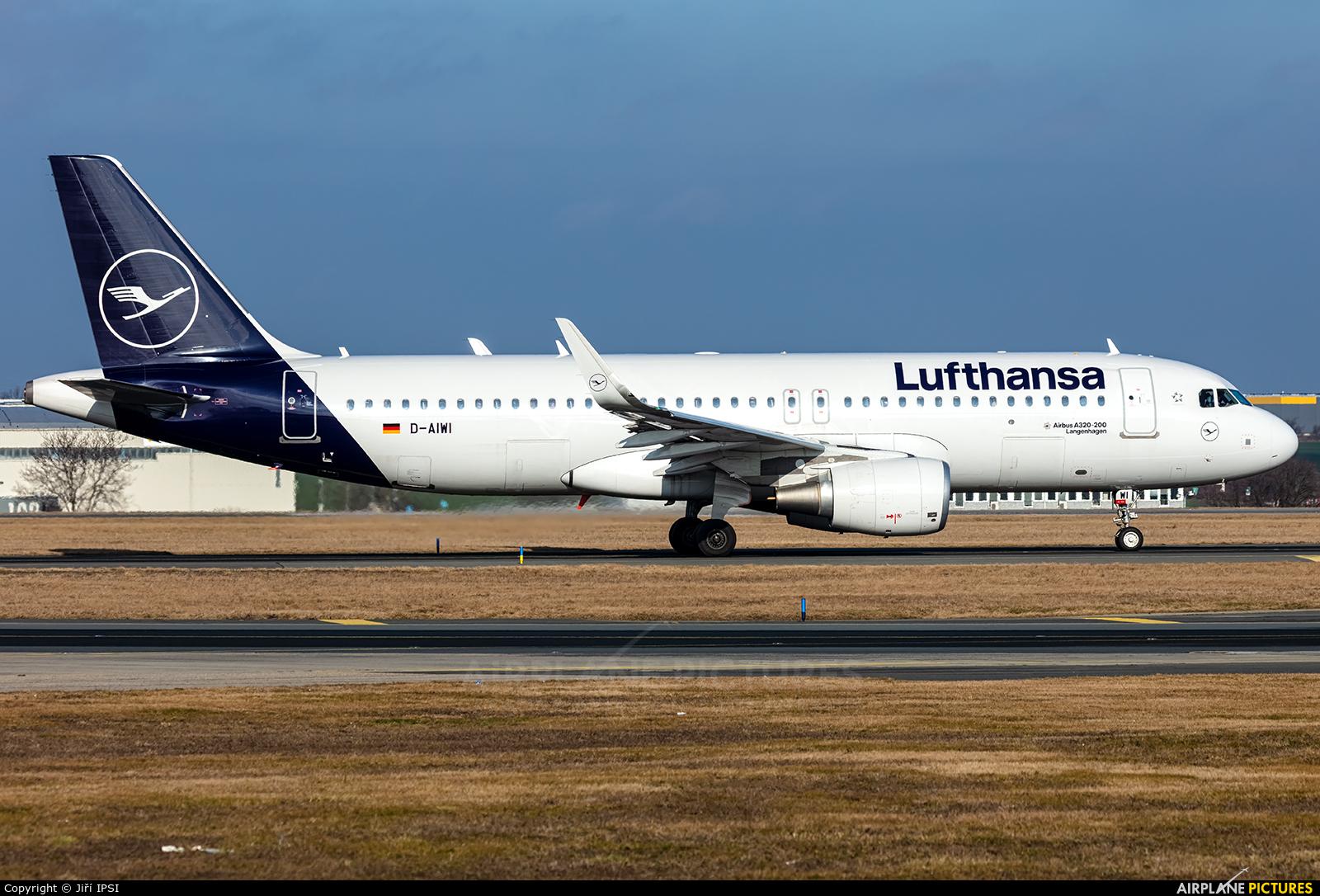 Lufthansa D-AIWI aircraft at Prague - Václav Havel