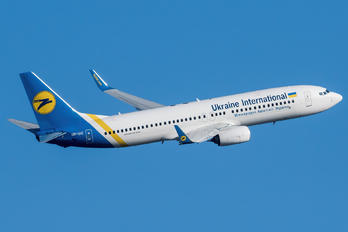 UR-UIC - Ukraine International Airlines Boeing 737-800