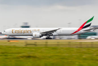 A6-EGZ - Emirates Airlines Boeing 777-300ER