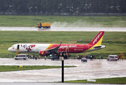 VietJet A321 skidded of the runway at Ho Chi Minh City title=