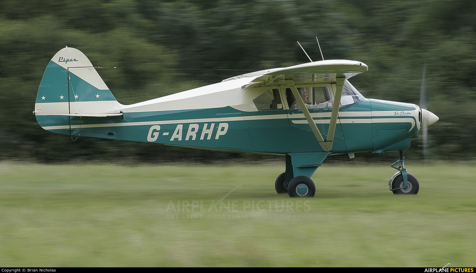 Private G-ARHP aircraft at Popham
