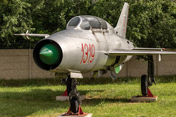 1319 - Hungary - Air Force Mikoyan-Gurevich MiG-21U