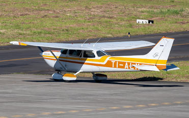 TI-ALM - Private Cessna 172 Skyhawk (all models except RG)