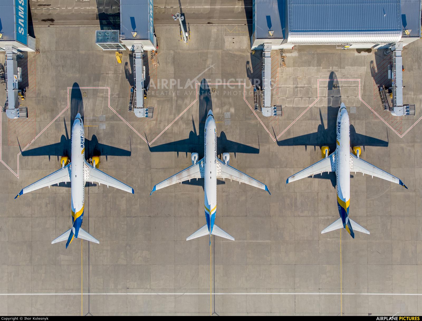 - Airport Overview - aircraft at Kyiv - Borispol