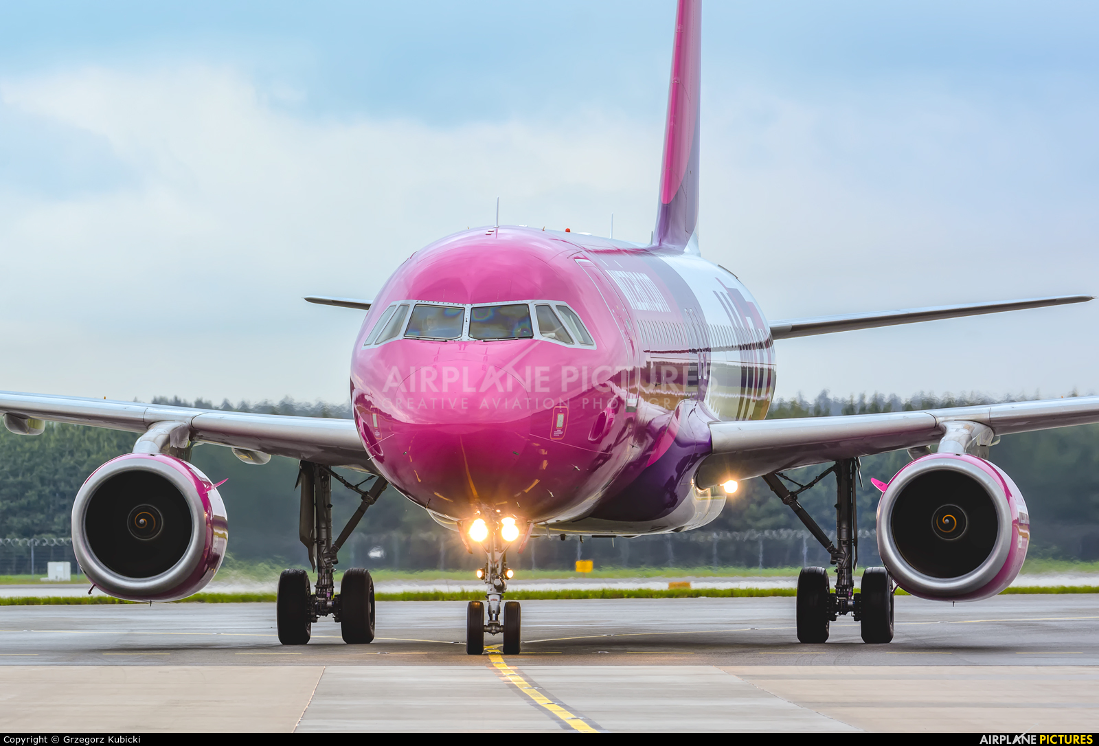Wizz Air HA-LWA aircraft at Katowice - Pyrzowice