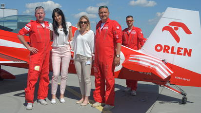 - - Grupa Akrobacyjna Żelazny - Acrobatic Group - Aviation Glamour - People, Pilot