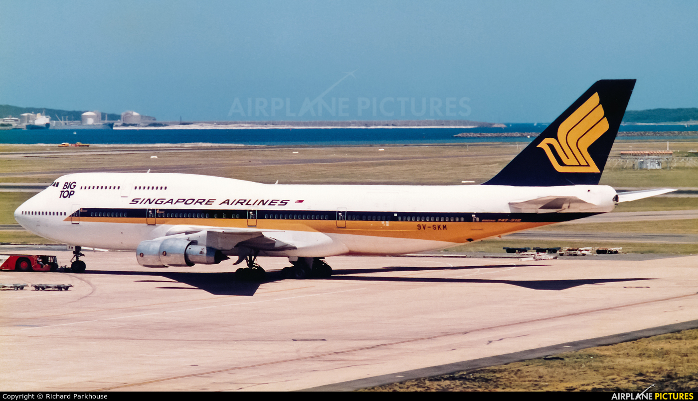 Singapore Airlines 9V-SKM aircraft at Sydney - Kingsford Smith Intl, NSW