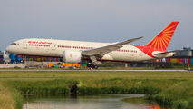 Repatriation flight of Air India B788 from Amsterdam title=