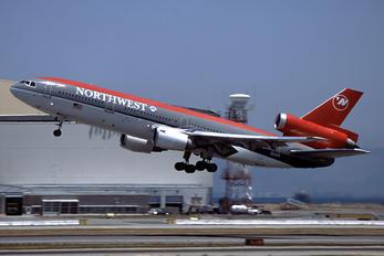 N141US - Northwest Airlines McDonnell Douglas DC-10-40