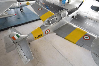 IX787 - India - Air Force Hindustan HT-2