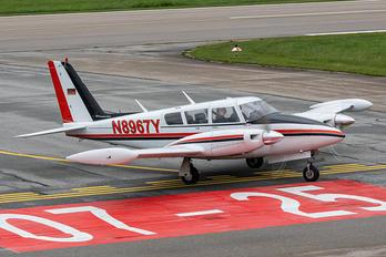 N8967Y - Private Piper PA-39 Twin Comanche