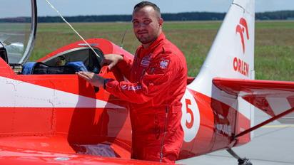 - - Grupa Akrobacyjna Żelazny - Acrobatic Group - Airport Overview - People, Pilot