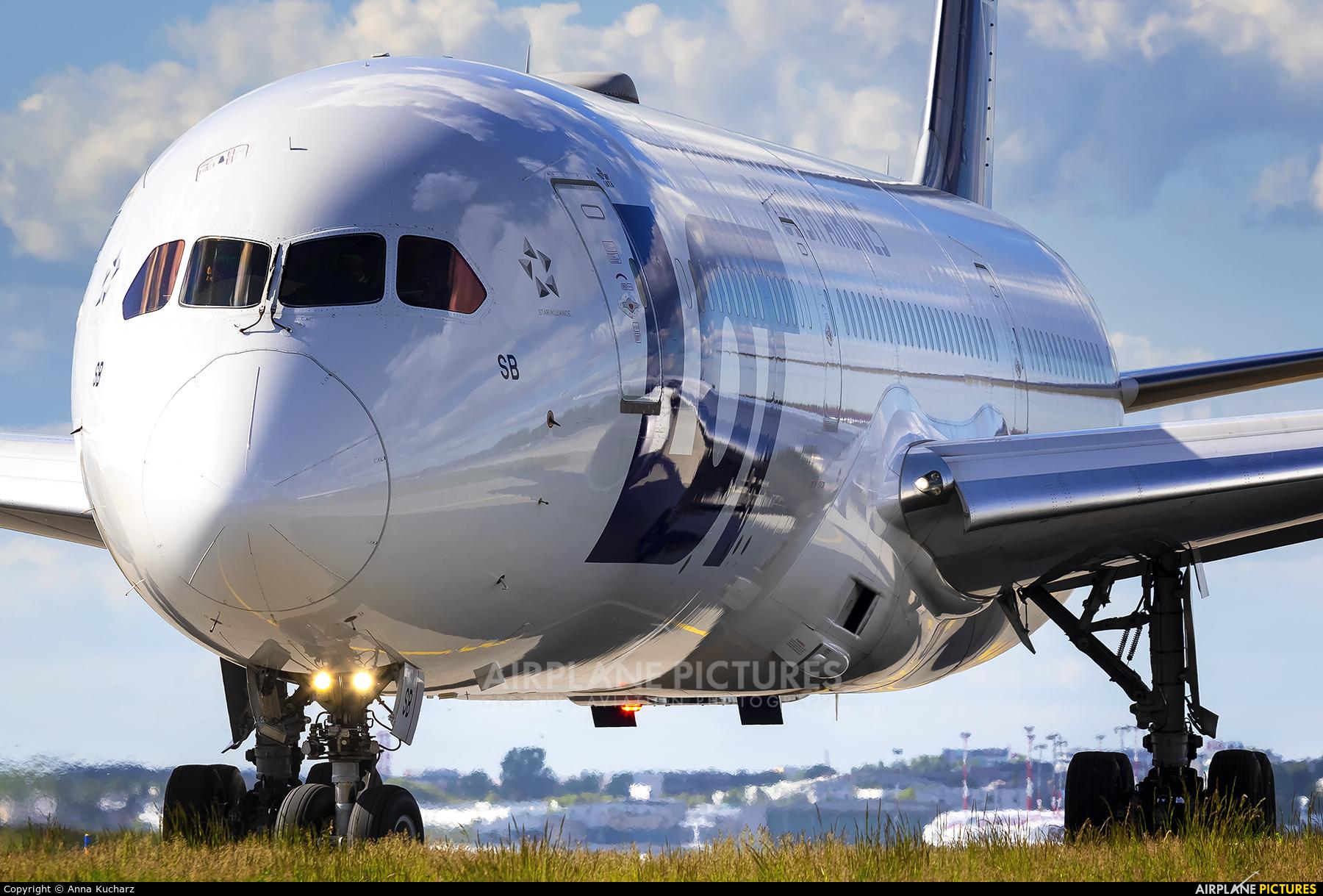 LOT - Polish Airlines SP-LSB aircraft at Warsaw - Frederic Chopin