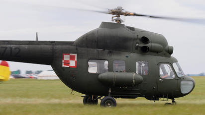 4712 - Poland - Air Force Mil Mi-2
