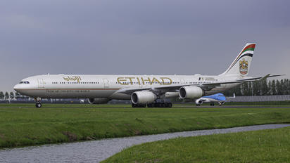 A6-EHK - Etihad Airways Airbus A340-600
