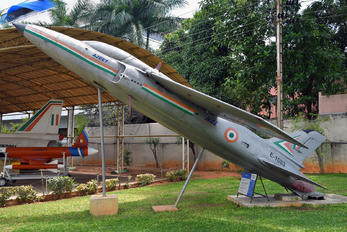 E-1083 - India - Air Force Hindustan Ajeet