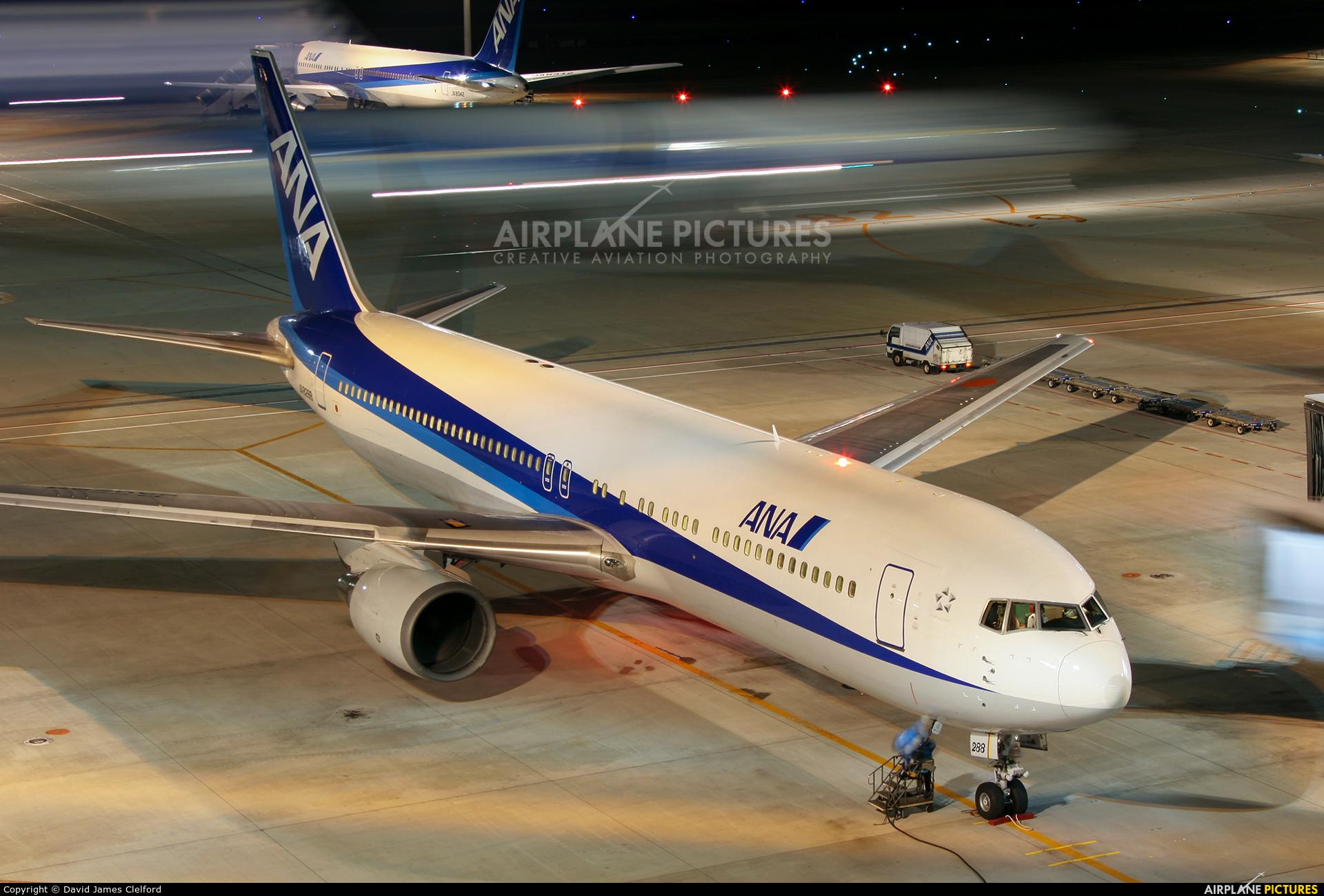 ANA - All Nippon Airways JA8288 aircraft at Tokyo - Haneda Intl