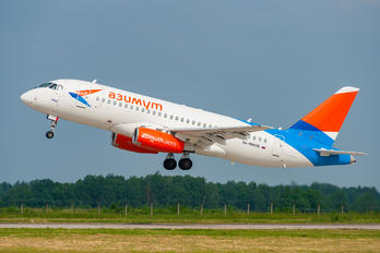 RA-89036 - Azimuth Sukhoi Superjet 100