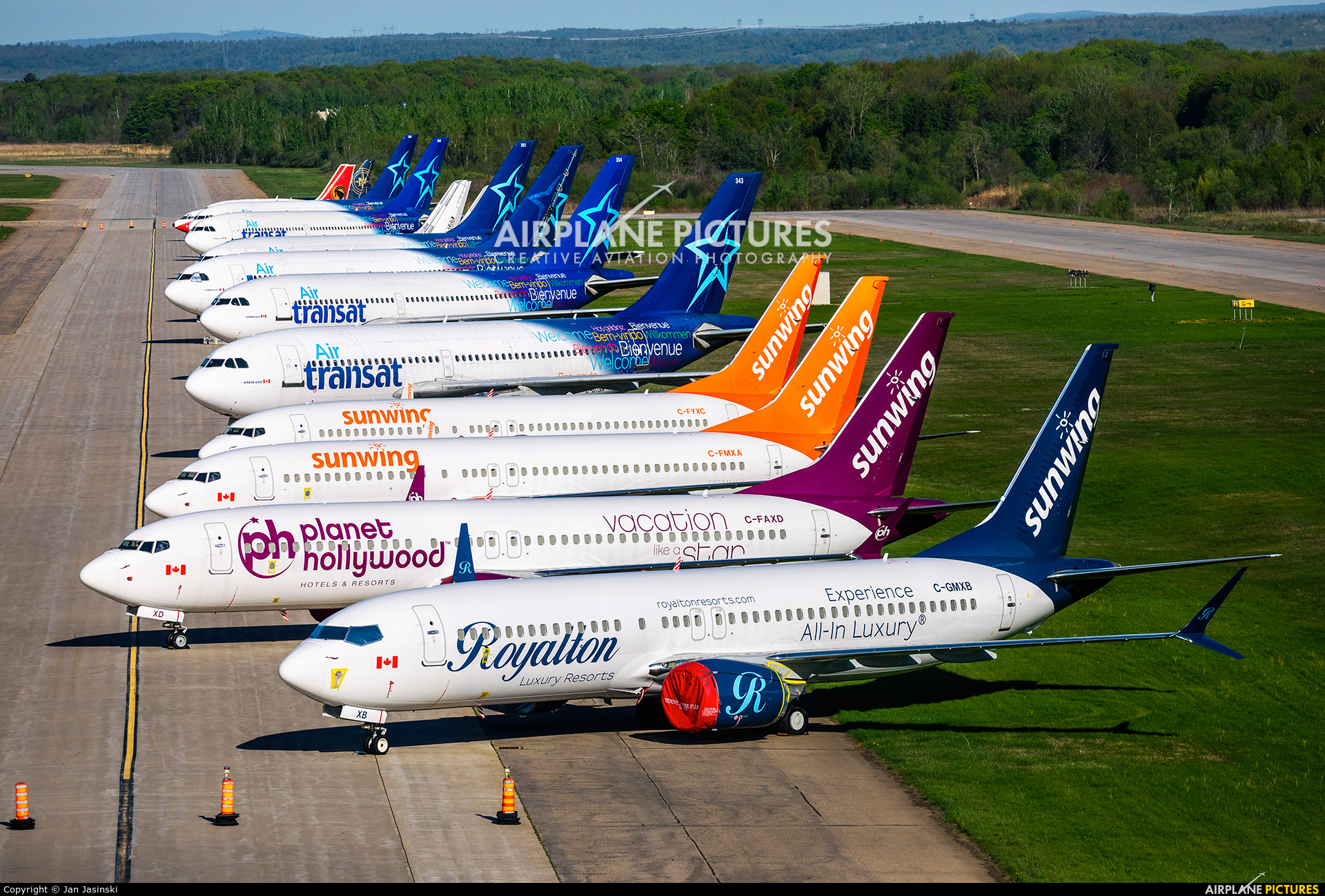 - Airport Overview YMX aircraft at Montreal - Mirabel Intl