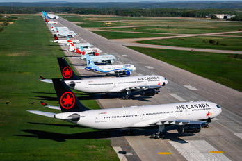 YMX - - Airport Overview - Airport Overview - Aircraft Detail