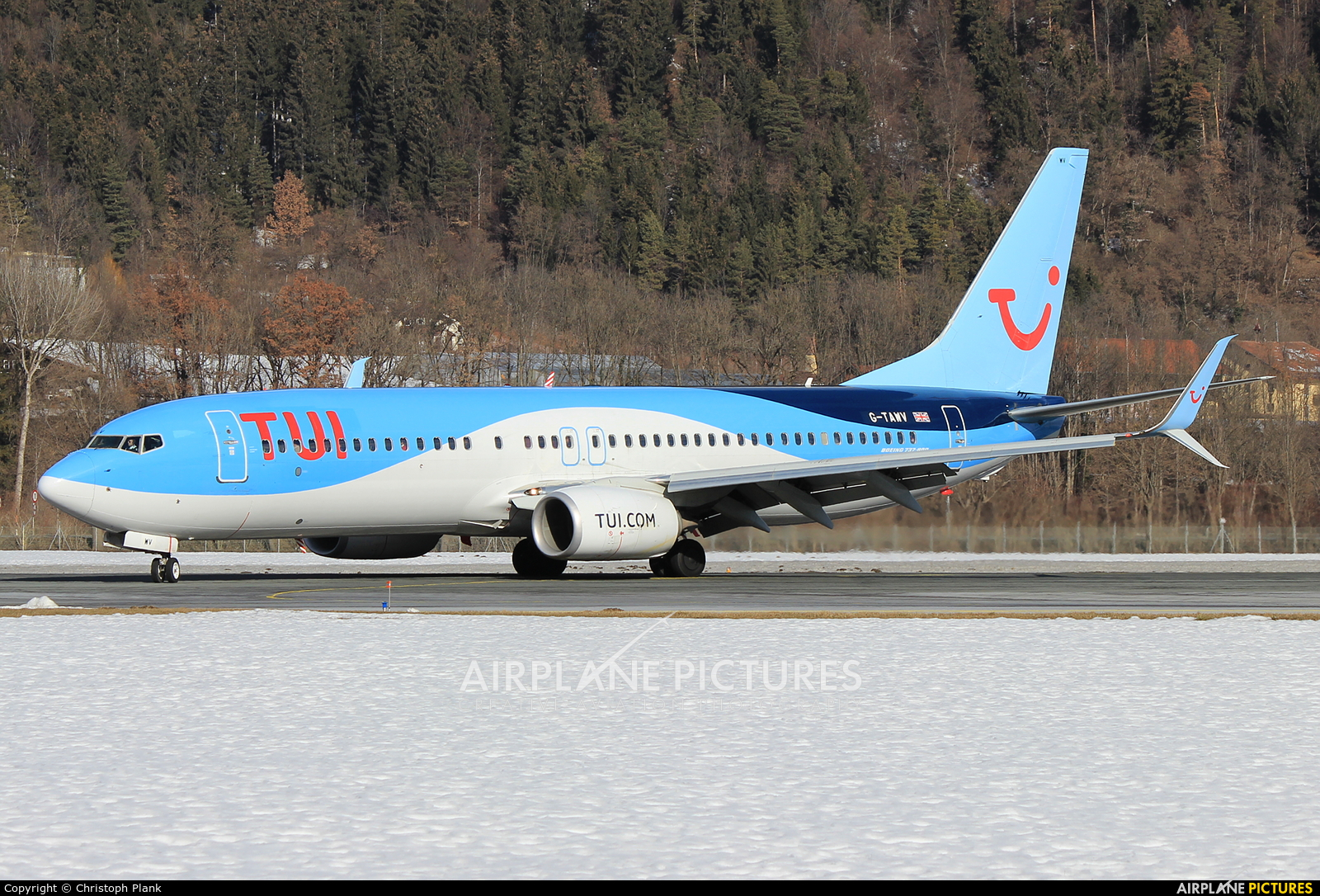 TUI Airways G-TAWV aircraft at Innsbruck