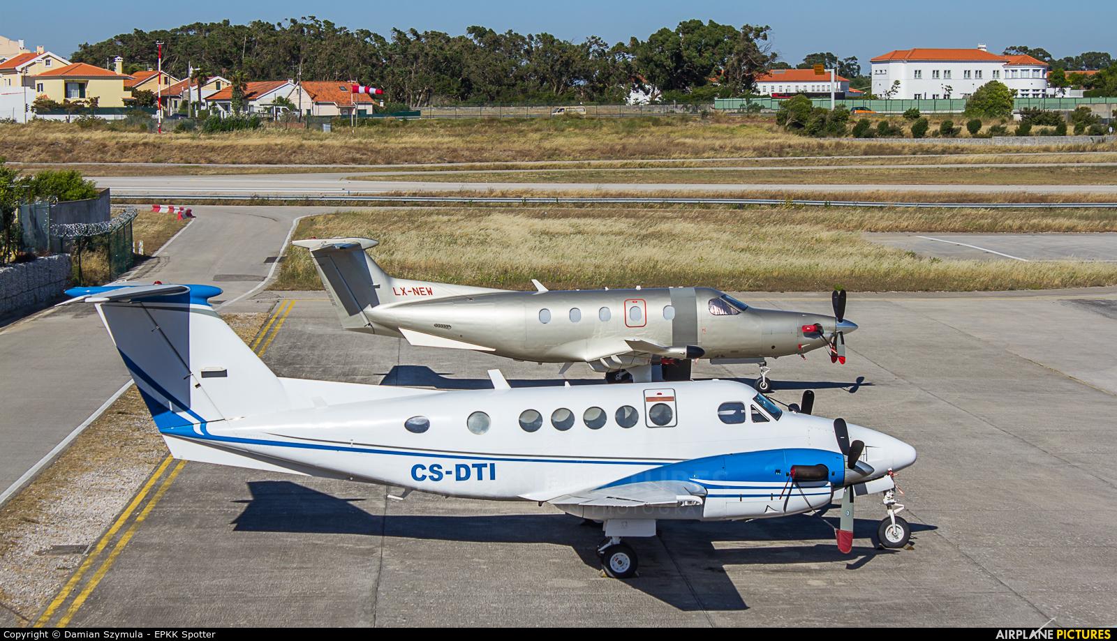 Private CS-DTI aircraft at Cascais