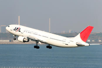 JA8566 - JAL - Japan Airlines Airbus A300