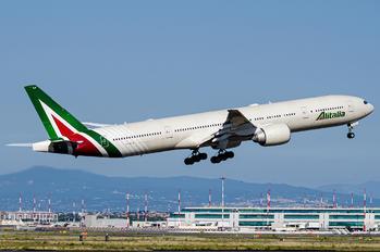 EI-WLA - Alitalia Boeing 777-300ER