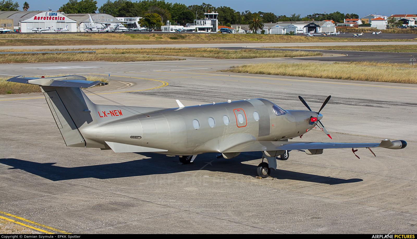 Jetfly Aviation LX-NEW aircraft at Cascais
