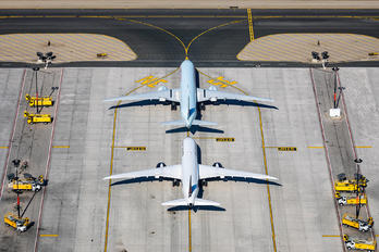 YYZ - - Airport Overview - Airport Overview - Aircraft Detail
