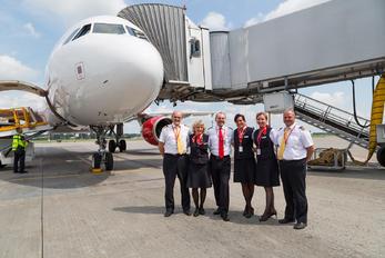 OK-HEU - CSA - Czech Airlines - Airport Overview - People, Pilot