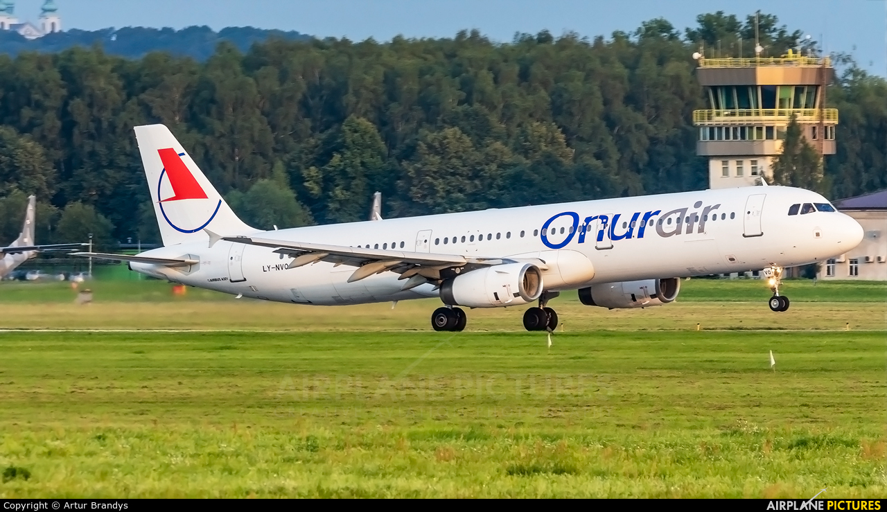 Onur Air LY-NVQ aircraft at Kraków - John Paul II Intl