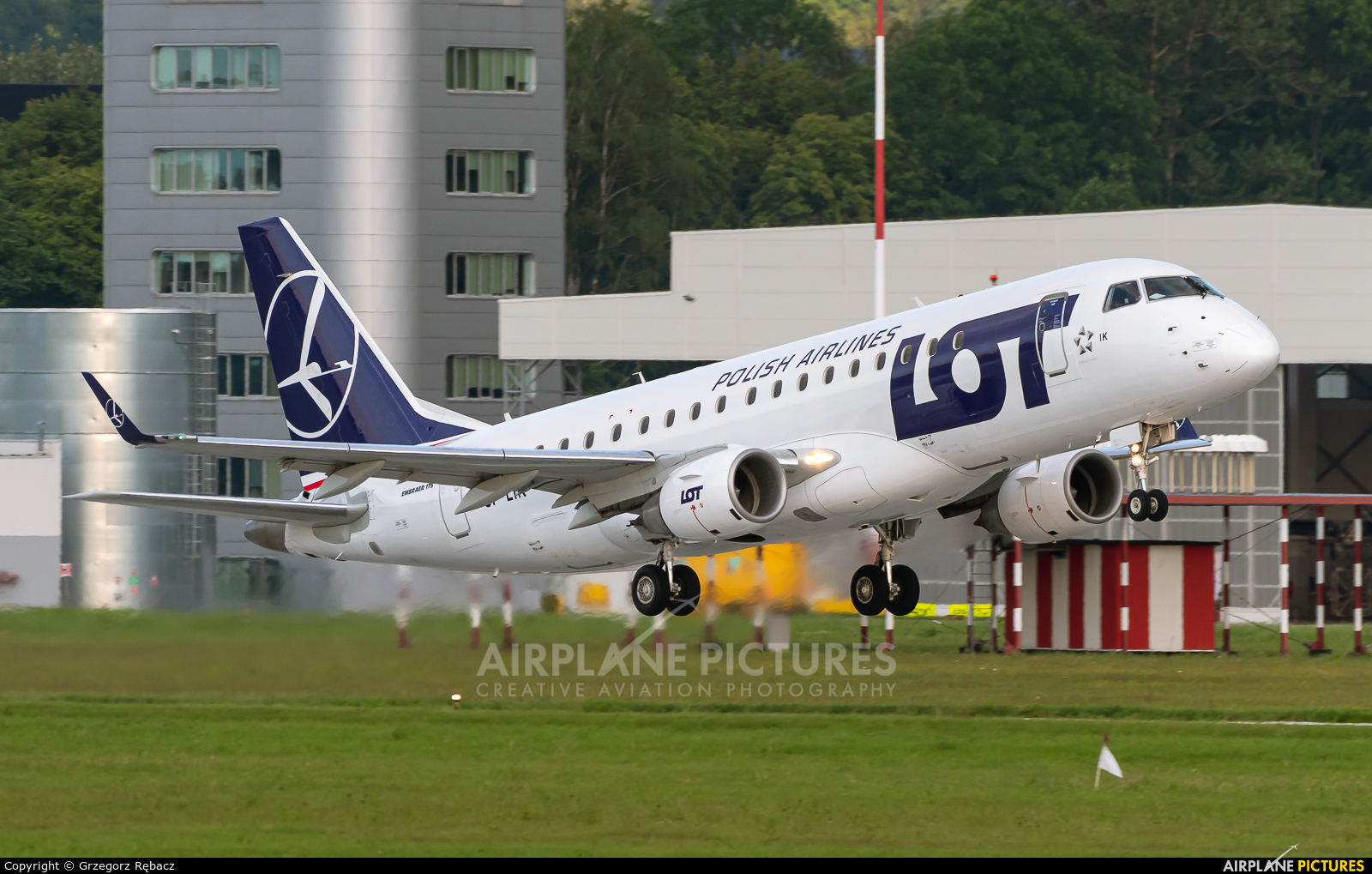 LOT - Polish Airlines SP-LIK aircraft at Kraków - John Paul II Intl