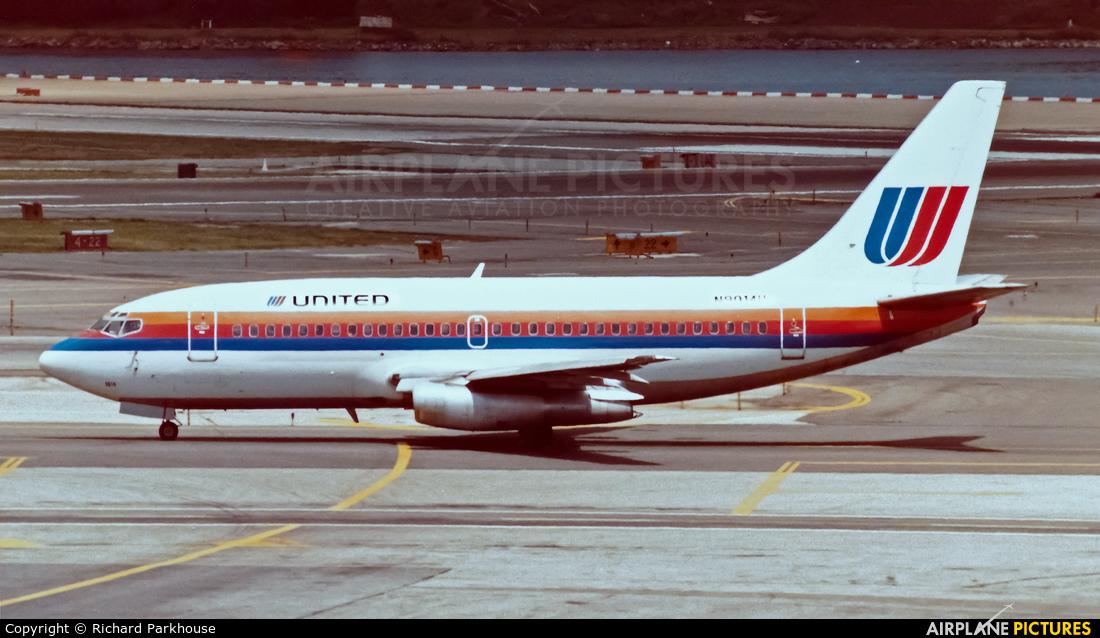 United Airlines N9014U aircraft at New York - La Guardia