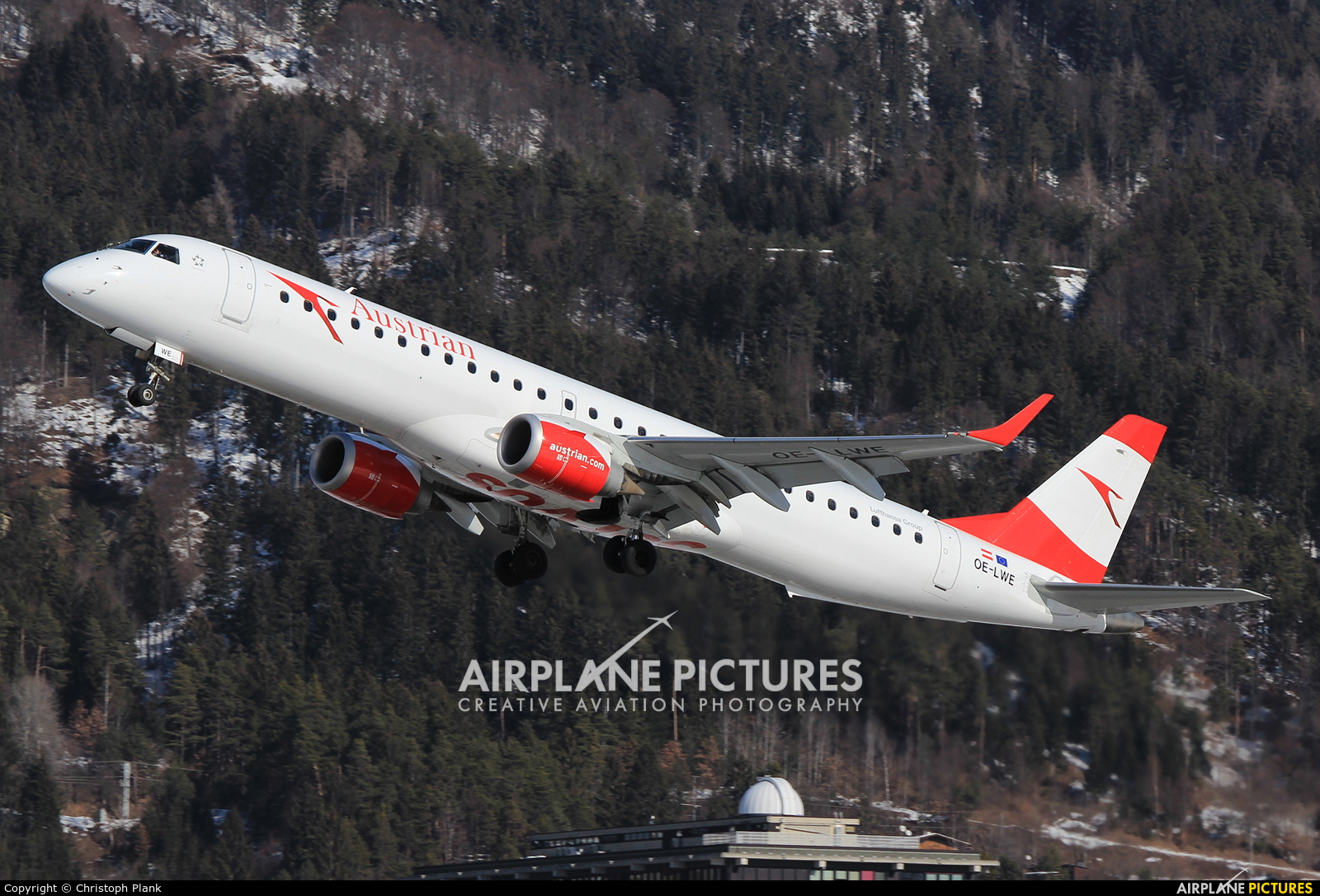 Austrian Airlines/Arrows/Tyrolean OE-LWE aircraft at Innsbruck