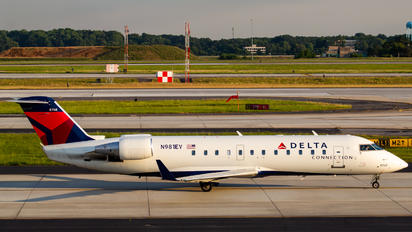 N981EV - Delta Connection Bombardier CRJ-200ER