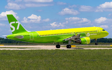 VQ-BOA - S7 Airlines Airbus A320