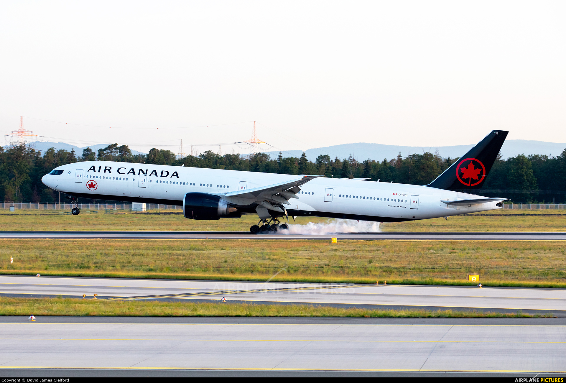 Air Canada C-FITU aircraft at Frankfurt