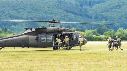 7641 - Slovakia -  Air Force Sikorsky UH-60M Black Hawk