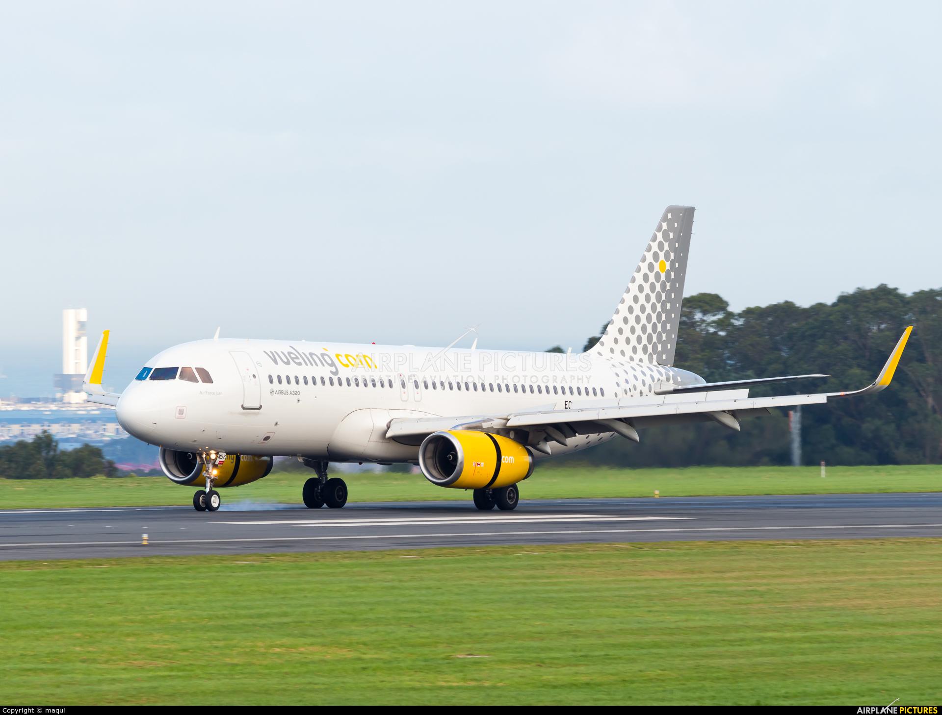 Vueling Airlines EC-MDZ aircraft at La Coruña