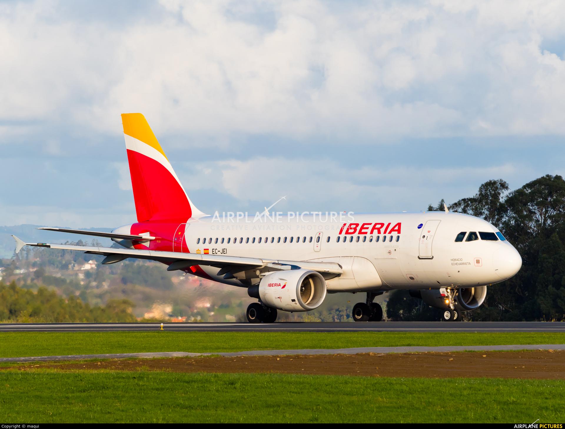 Iberia EC-JEI aircraft at La Coruña