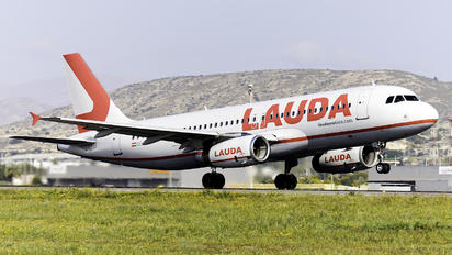 OE-LOM - LaudaMotion Airbus A320