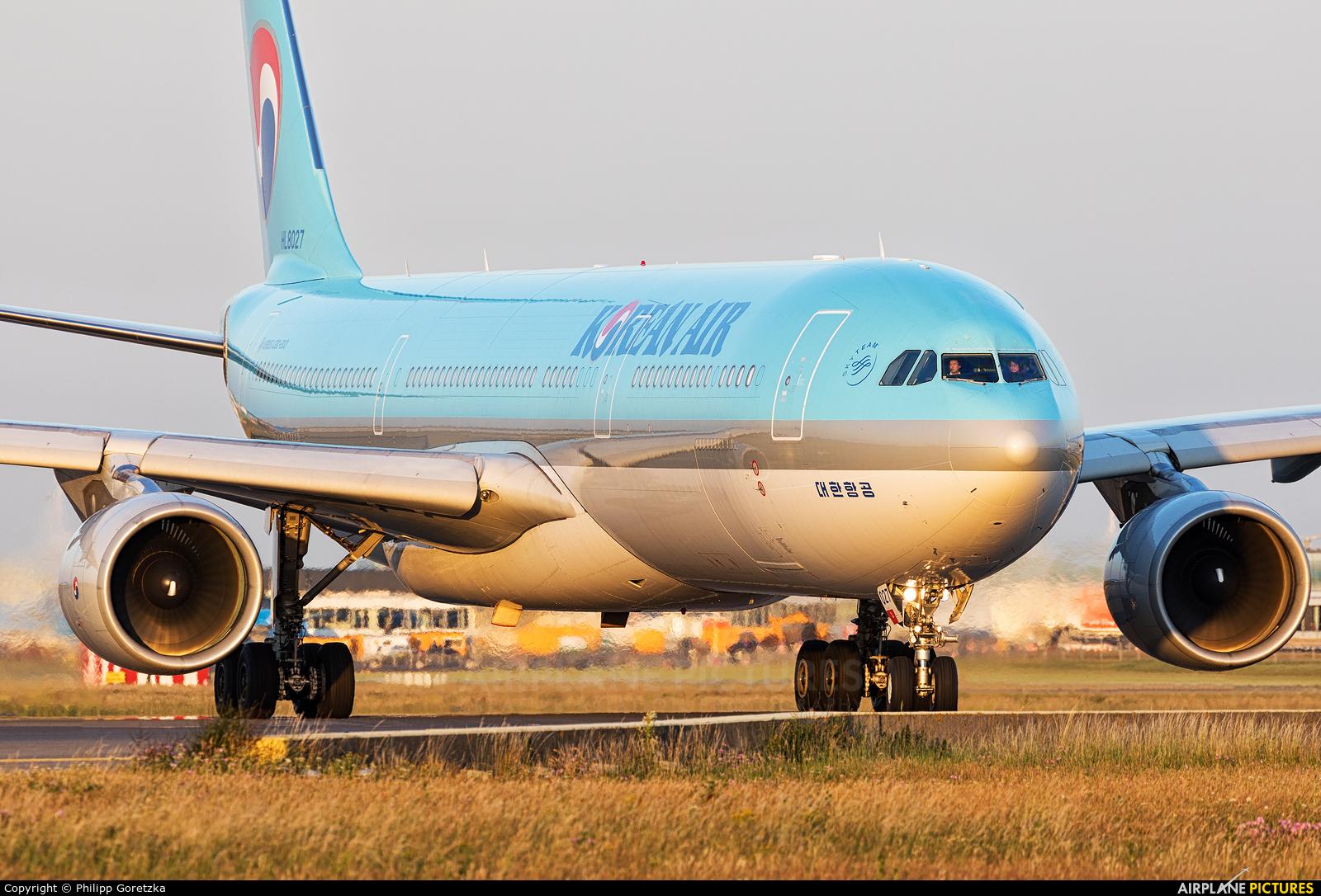 Korean Air HL8027 aircraft at Amsterdam - Schiphol