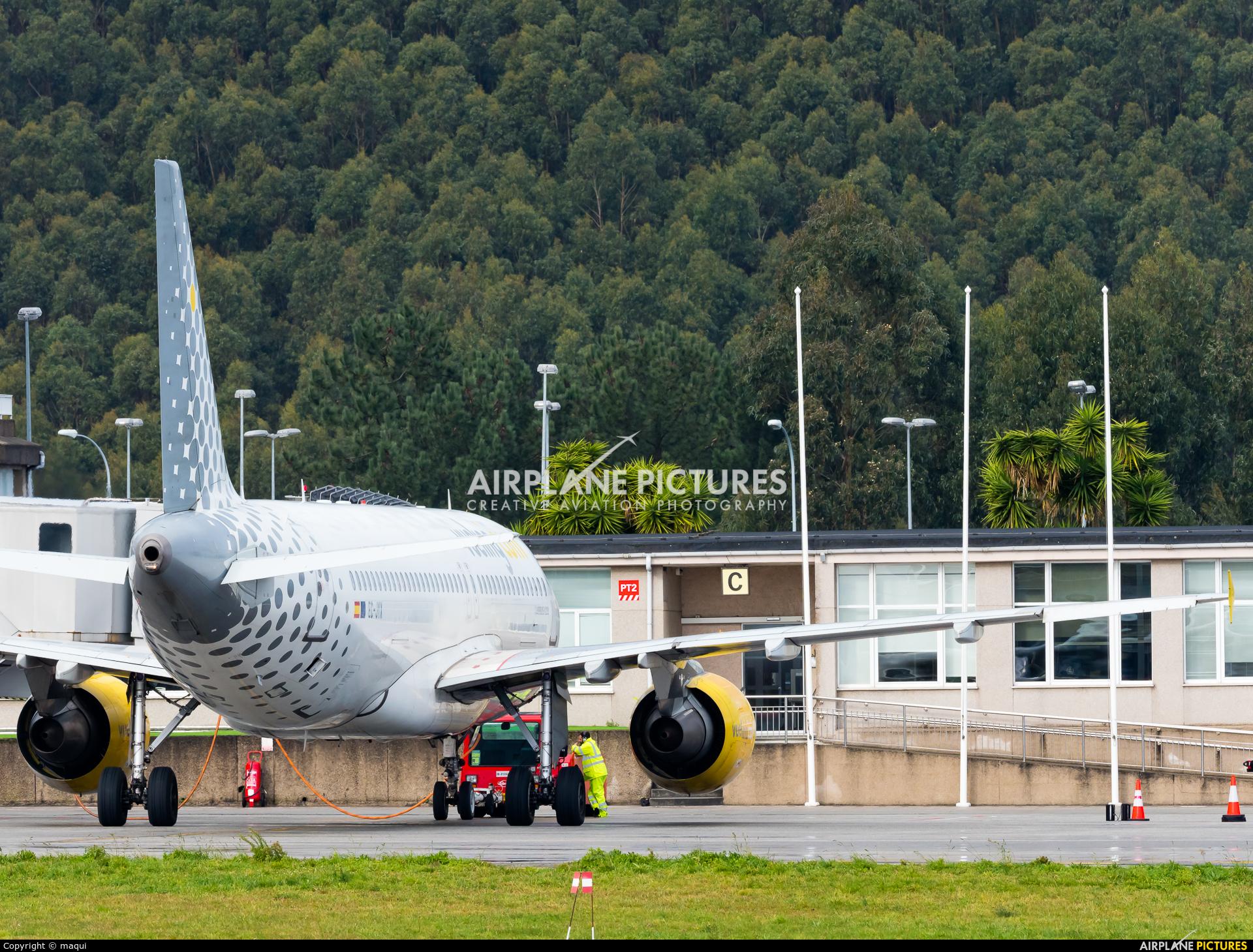 Vueling Airlines EC-JYX aircraft at La Coruña