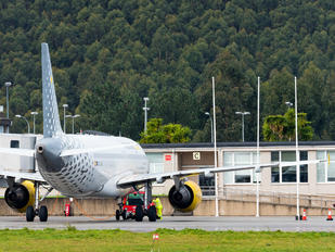 EC-JYX - Vueling Airlines Airbus A320