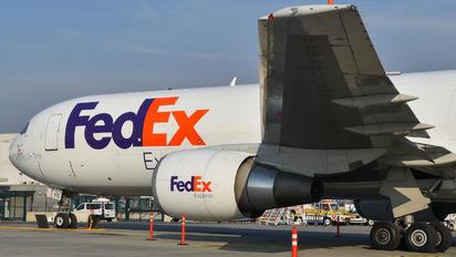 N110FE - FedEx Federal Express Boeing 767-300F