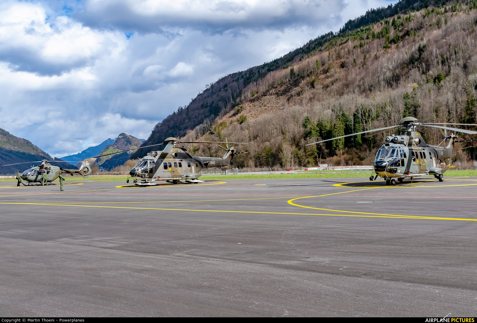 - Airport Overview T-316 aircraft at Alpnach