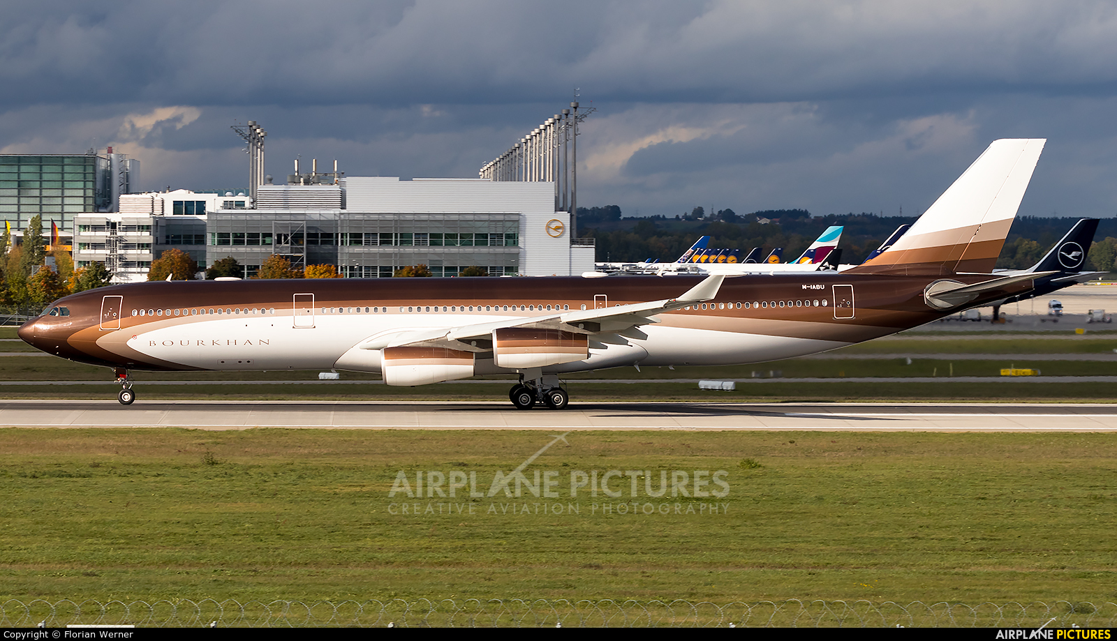 Klaret Aviation M-IABU aircraft at Munich